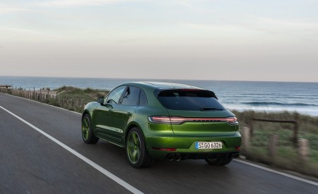 2020 Porsche Macan GTS (Color: Mamba Green Metallic) Rear Three-Quarter Wallpapers 450x275 (127)