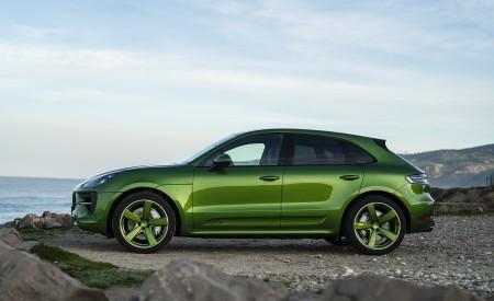 2020 Porsche Macan GTS (Color: Mamba Green Metallic) Side Wallpapers 450x275 (143)