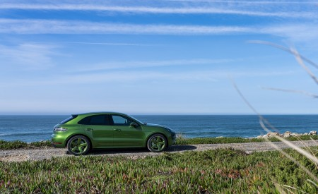 2020 Porsche Macan GTS (Color: Mamba Green Metallic) Side Wallpapers 450x275 (131)