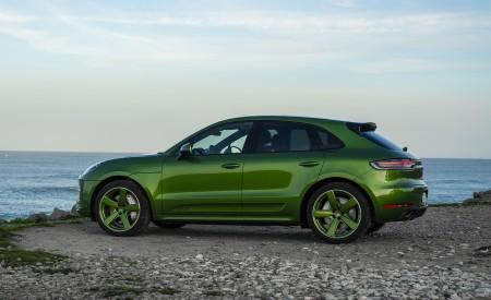 2020 Porsche Macan GTS (Color: Mamba Green Metallic) Side Wallpapers 450x275 (144)
