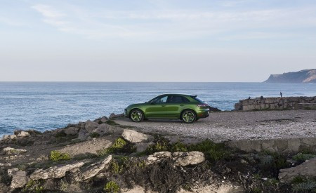 2020 Porsche Macan GTS (Color: Mamba Green Metallic) Side Wallpapers 450x275 (148)