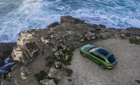 2020 Porsche Macan GTS (Color: Mamba Green Metallic) Top Wallpapers 450x275 (150)