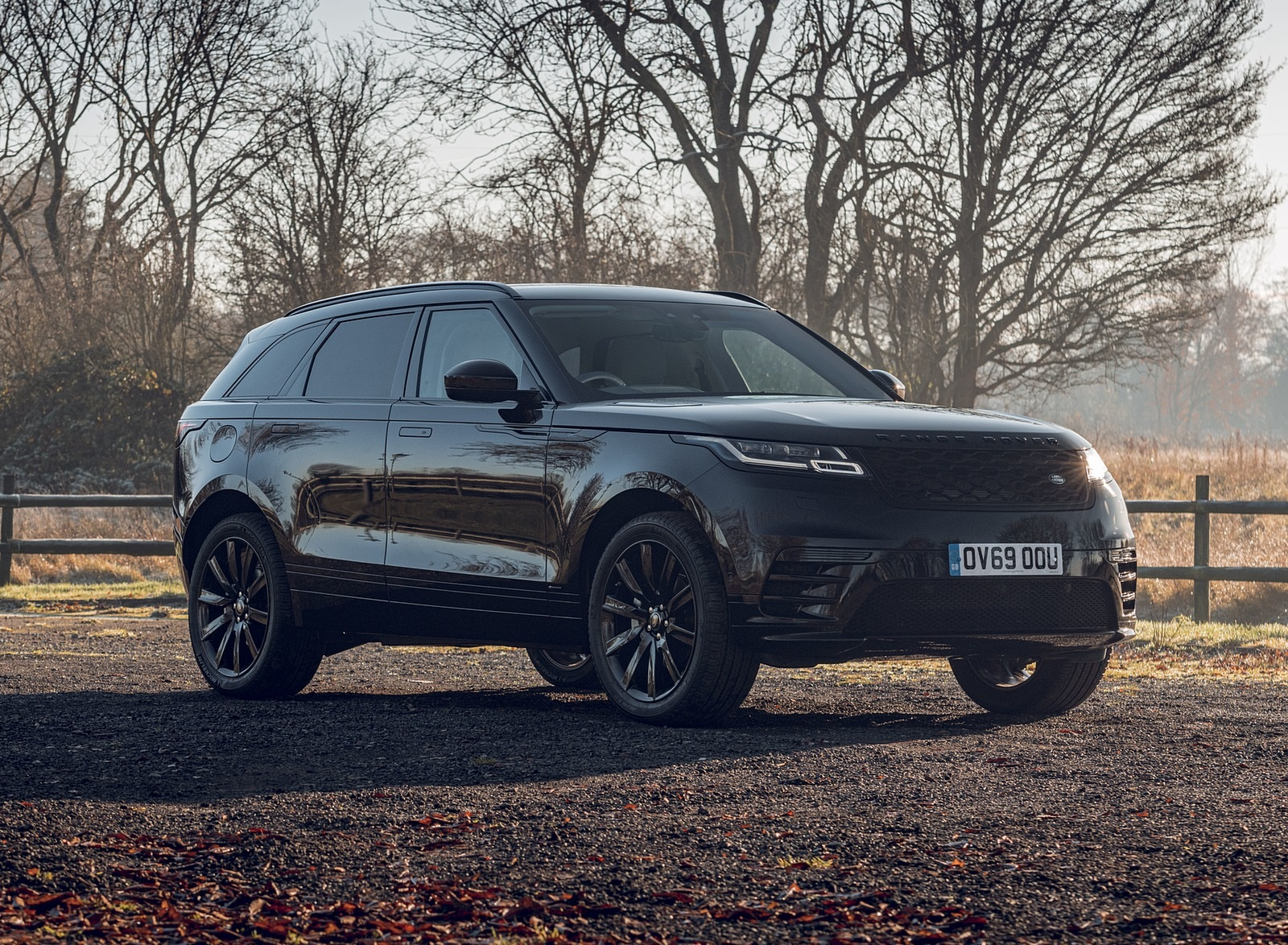 2020 Range Rover Velar R-Dynamic Black Front Three-Quarter Wallpapers (5)