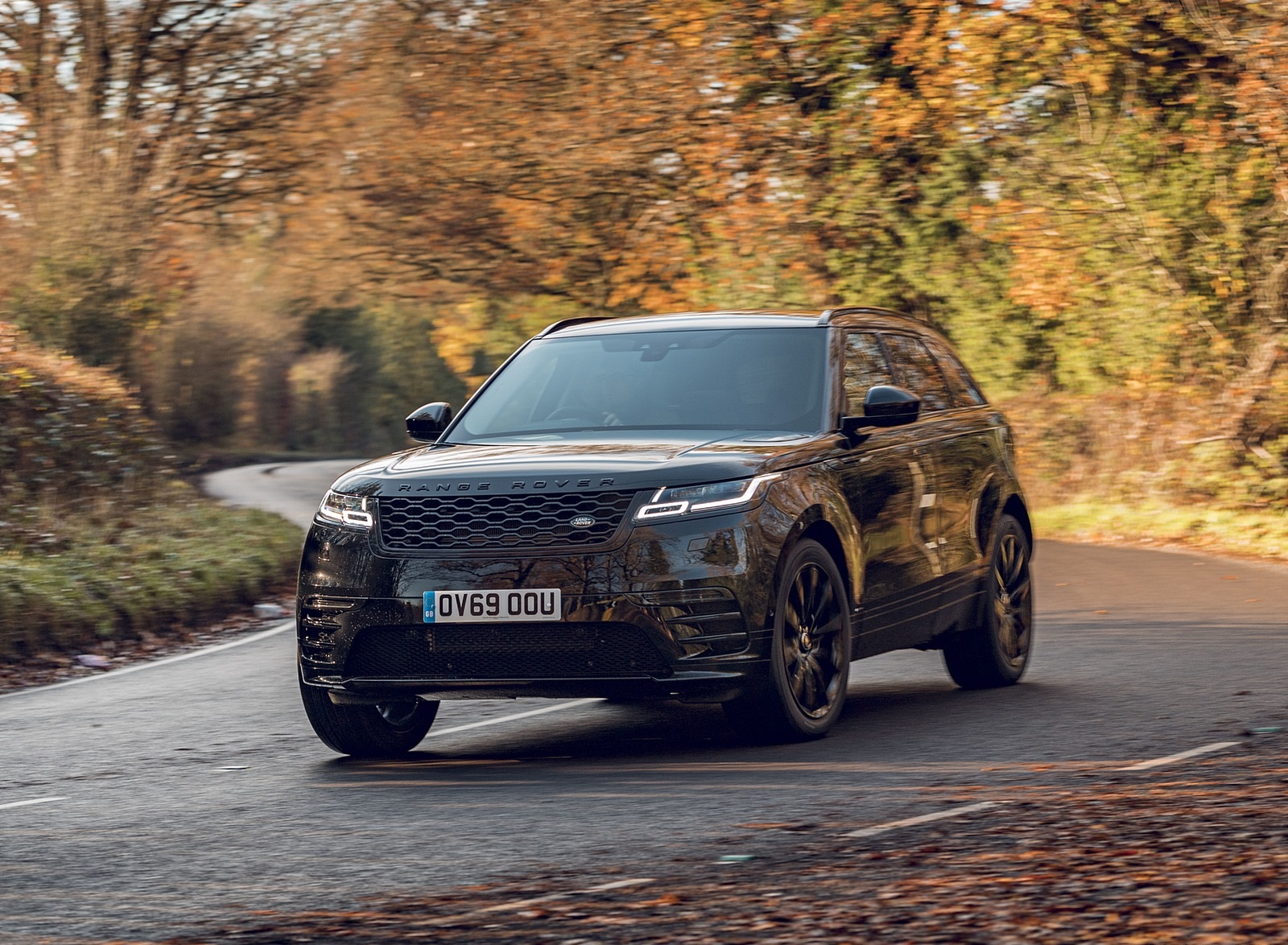 2020 Range Rover Velar R-Dynamic Black Front Three-Quarter Wallpapers (1)