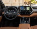 2020 Toyota Highlander Platinum Hybrid AWD (Color: Ruby Flare Pearl) Interior Cockpit Wallpapers 150x120 (28)
