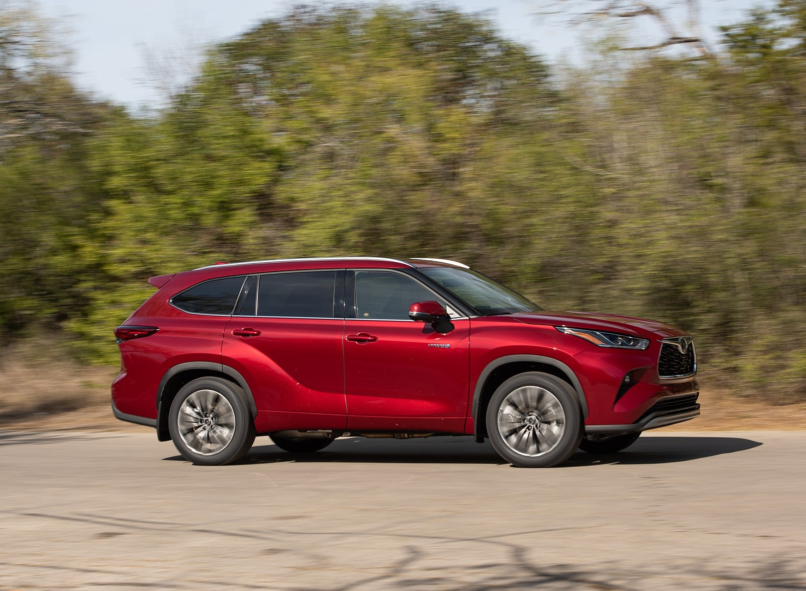 2020 Toyota Highlander Platinum Hybrid AWD (Color: Ruby Flare Pearl) Side Wallpapers (4)