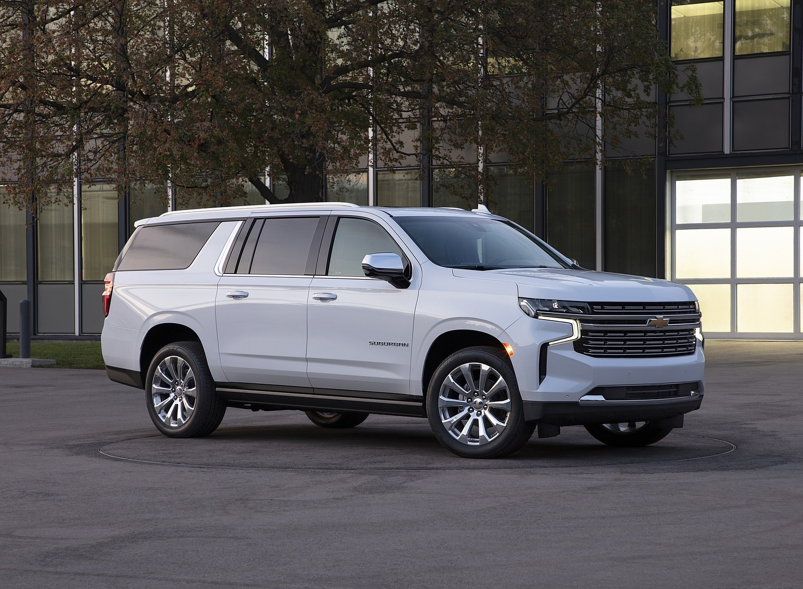2021 Chevrolet Suburban Front Three-Quarter Wallpapers (6)