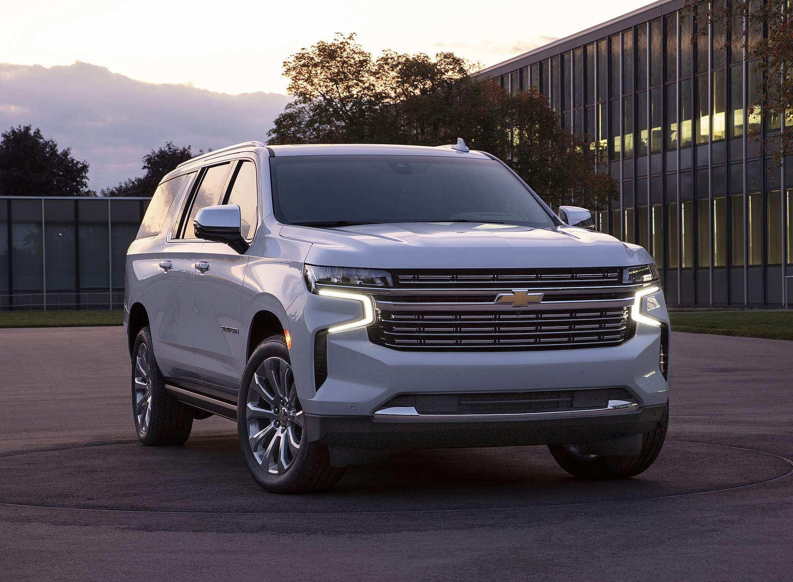 2021 Chevrolet Suburban Front Wallpapers (7)