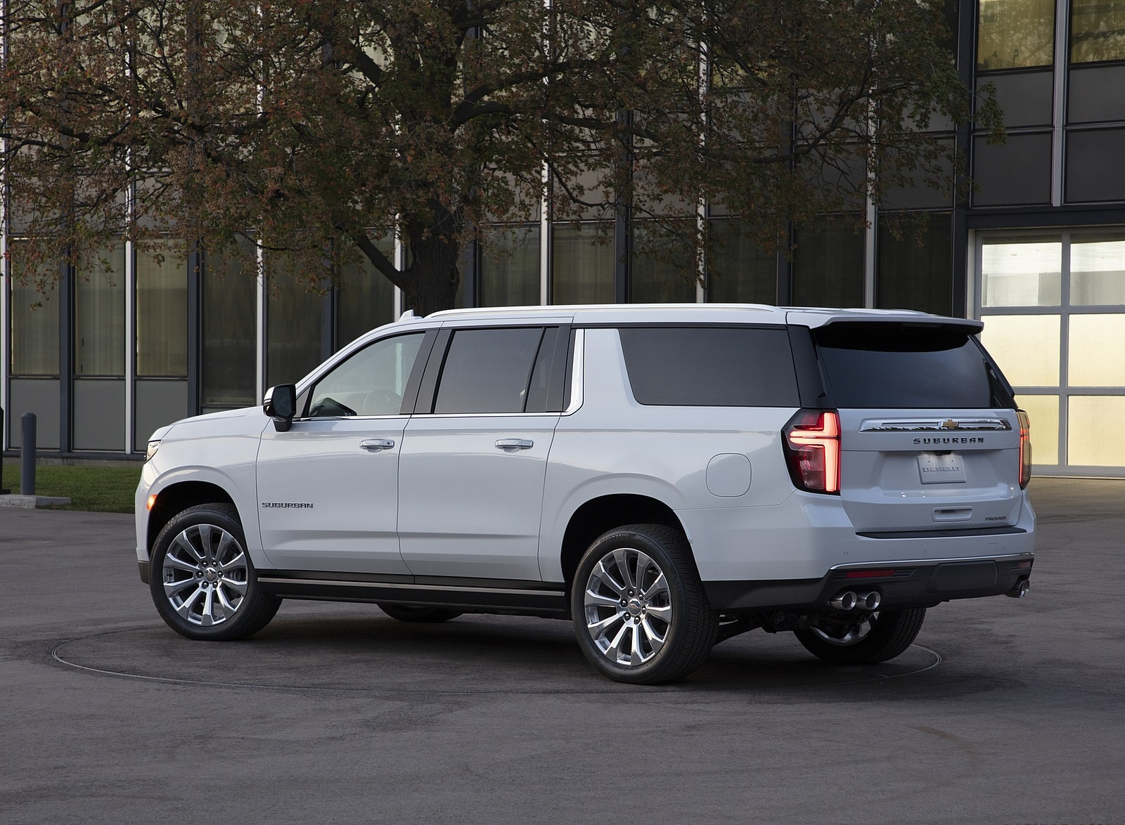 2021 Chevrolet Suburban Rear Three-Quarter Wallpapers (10)