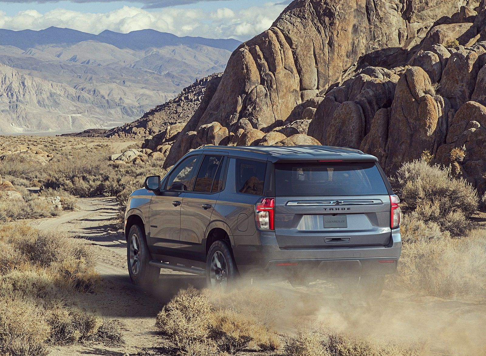 2021 Chevrolet Tahoe Z71 Off-Road Wallpapers (3)