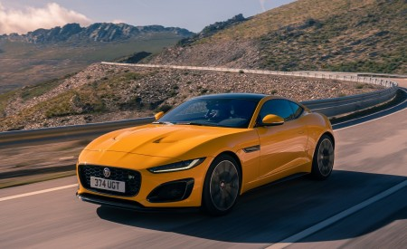 2021 Jaguar F-TYPE R Coupe AWD (Color: Sorrento Yellow) Front Three-Quarter Wallpapers 450x275 (9)