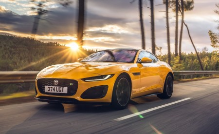 2021 Jaguar F-TYPE R Coupe AWD (Color: Sorrento Yellow) Front Three-Quarter Wallpapers 450x275 (2)