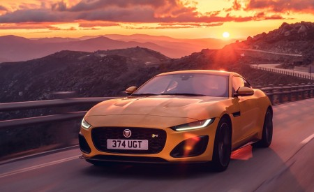 2021 Jaguar F-TYPE R Coupe AWD (Color: Sorrento Yellow) Front Three-Quarter Wallpapers 450x275 (11)