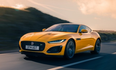 2021 Jaguar F-TYPE R Coupe AWD (Color: Sorrento Yellow) Front Three-Quarter Wallpapers 450x275 (13)