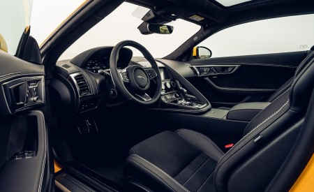 2021 Jaguar F-TYPE R Coupe AWD (Color: Sorrento Yellow) Interior Wallpapers 450x275 (37)
