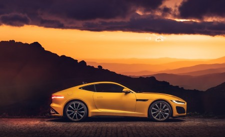 2021 Jaguar F-TYPE R Coupe AWD (Color: Sorrento Yellow) Side Wallpapers 450x275 (20)