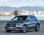 2021 Mercedes-Benz GLA 220d (Color: Mountain Grey Magno) Front Three-Quarter Wallpapers 150x120 (36)