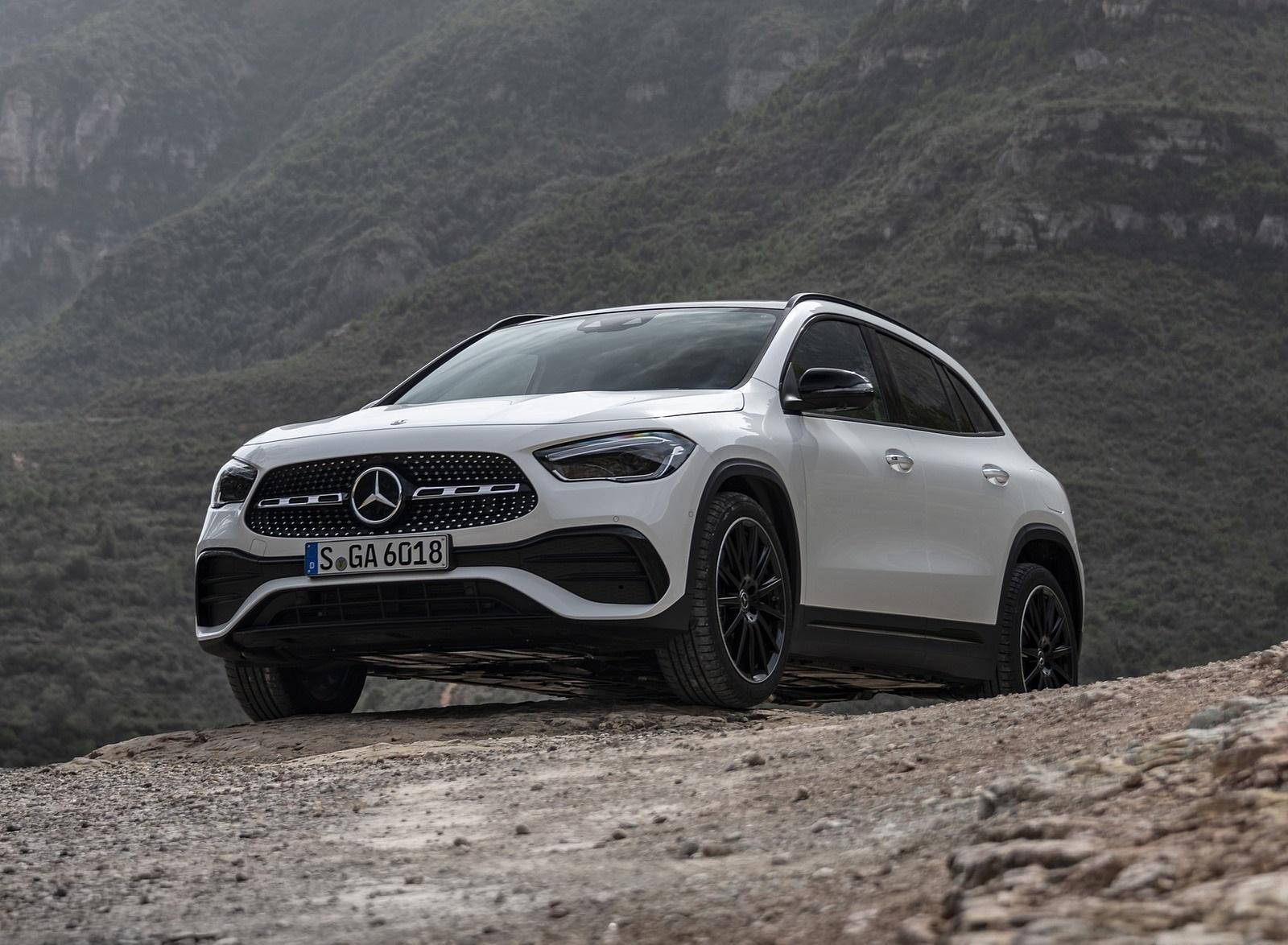 2021 Mercedes-Benz GLA 250 (Color: Digital White) Front Three-Quarter Wallpapers (6)