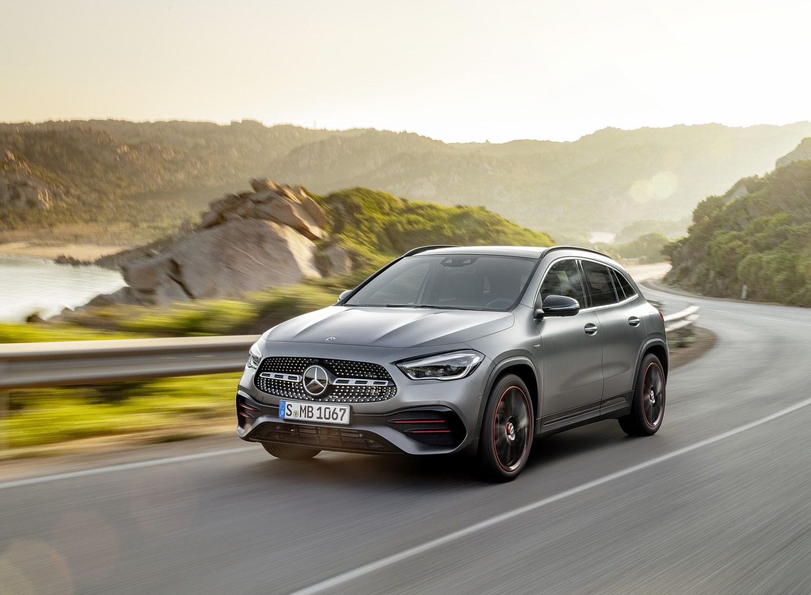 2021 Mercedes-Benz GLA Edition1 AMG Line (Color: Mountain Grey MAGNO) Front Three-Quarter Wallpapers (4)