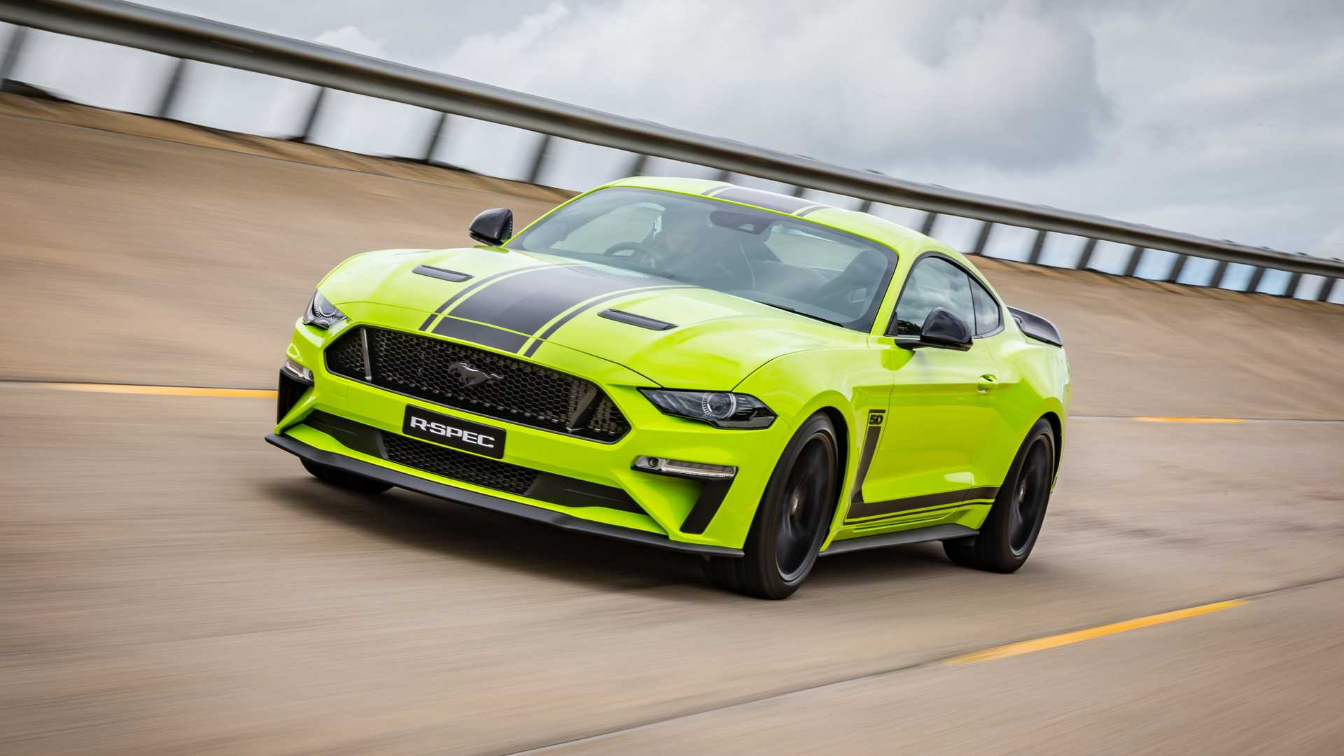 2020 Ford Mustang R-Spec (Color: Grabber Lime) Front Three-Quarter Wallpapers (1)