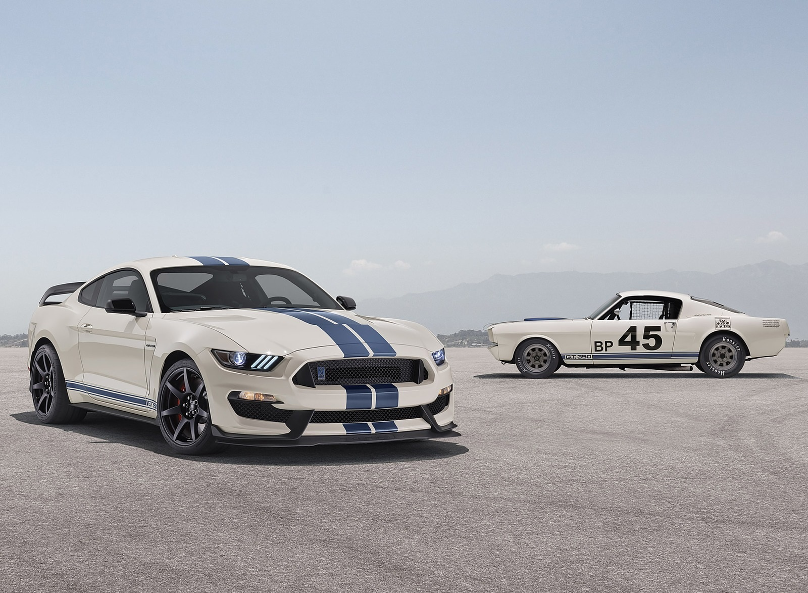 2020 Ford Mustang Shelby GT350 Heritage Edition Package Front Three-Quarter Wallpapers (6)