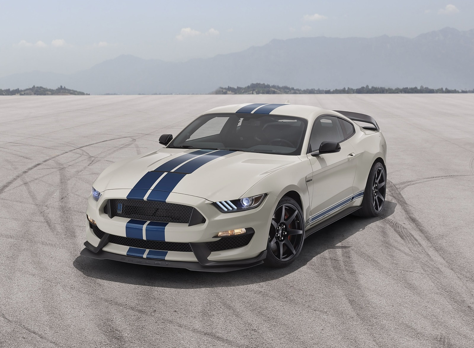 2020 Ford Mustang Shelby GT350 Heritage Edition Package Front Three-Quarter Wallpapers (1)