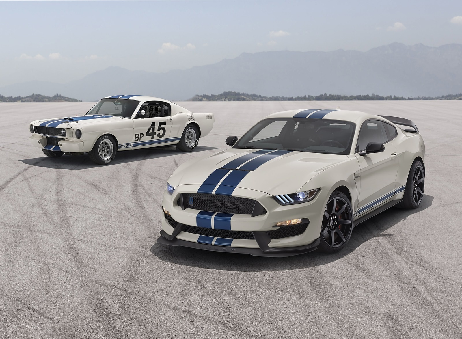 2020 Ford Mustang Shelby GT350 Heritage Edition Package Front Three-Quarter Wallpapers (7)