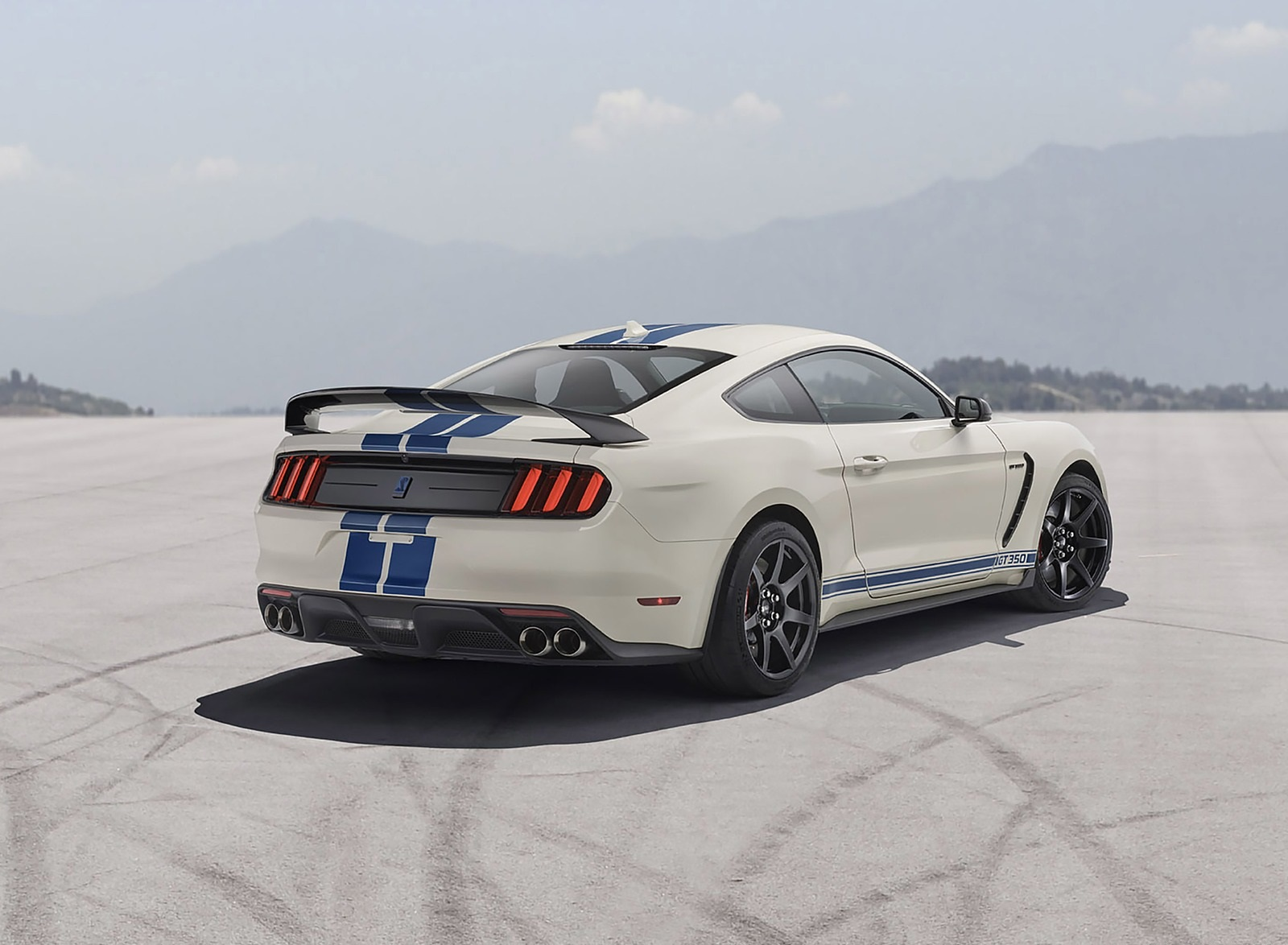 2020 Ford Mustang Shelby GT350 Heritage Edition Package Rear Three-Quarter Wallpapers (4)