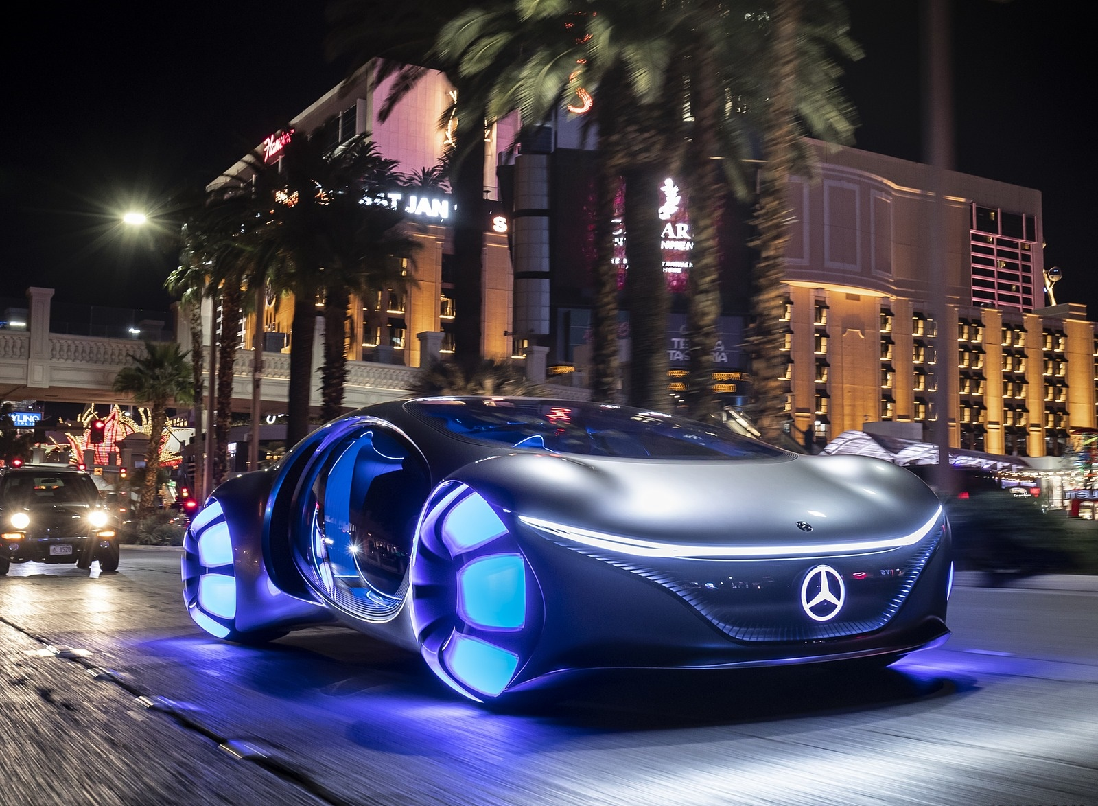 2020 Mercedes-Benz VISION AVTR Concept in Las Vegas Front Three-Quarter Wallpapers (2)