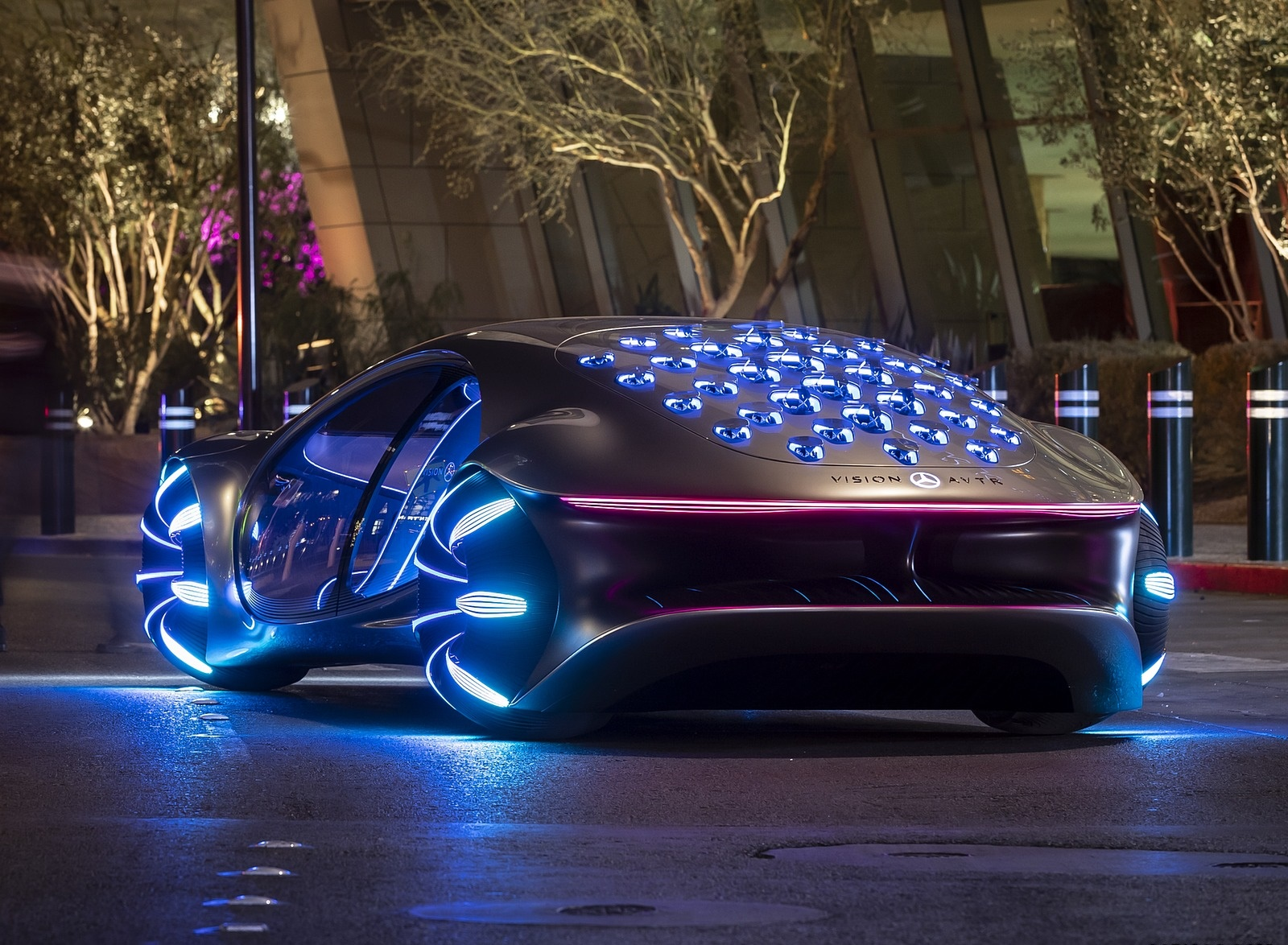 2020 Mercedes-Benz VISION AVTR Concept in Las Vegas Rear Three-Quarter Wallpapers (8)
