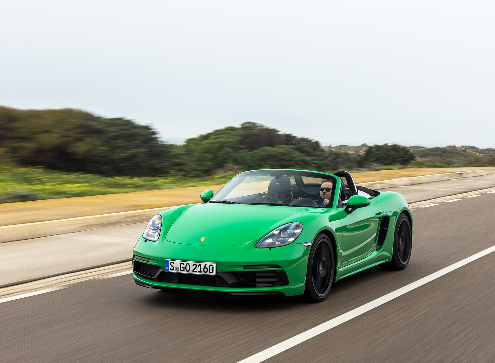 2020 Porsche 718 Boxster GTS 4.0 (Color: Phyton Green) Front Three-Quarter Wallpapers (6)