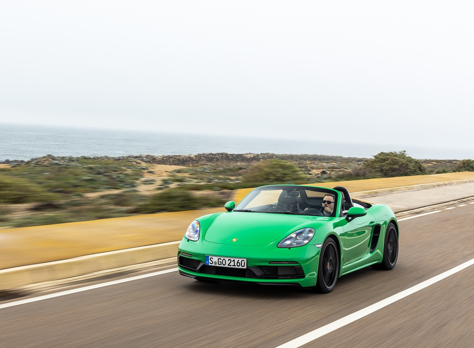2020 Porsche 718 Boxster GTS 4.0 (Color: Phyton Green) Front Three-Quarter Wallpapers (2)