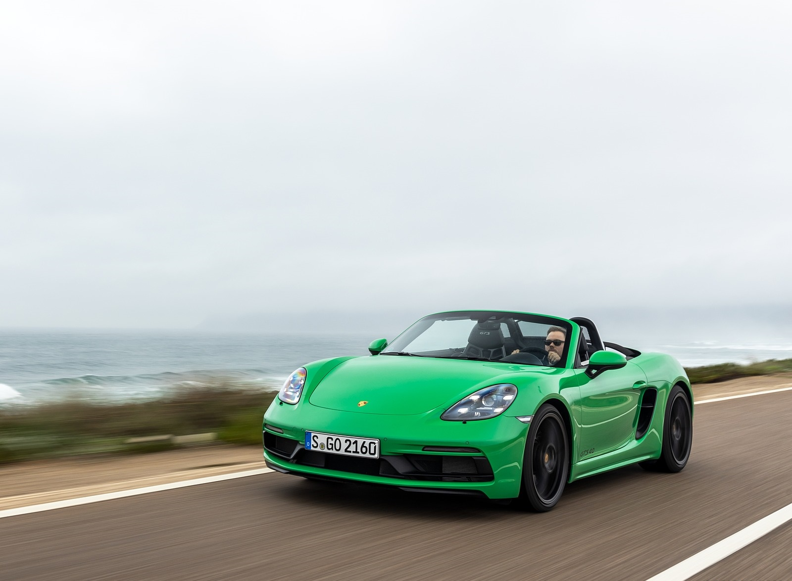2020 Porsche 718 Boxster GTS 4.0 (Color: Phyton Green) Front Wallpapers (7)