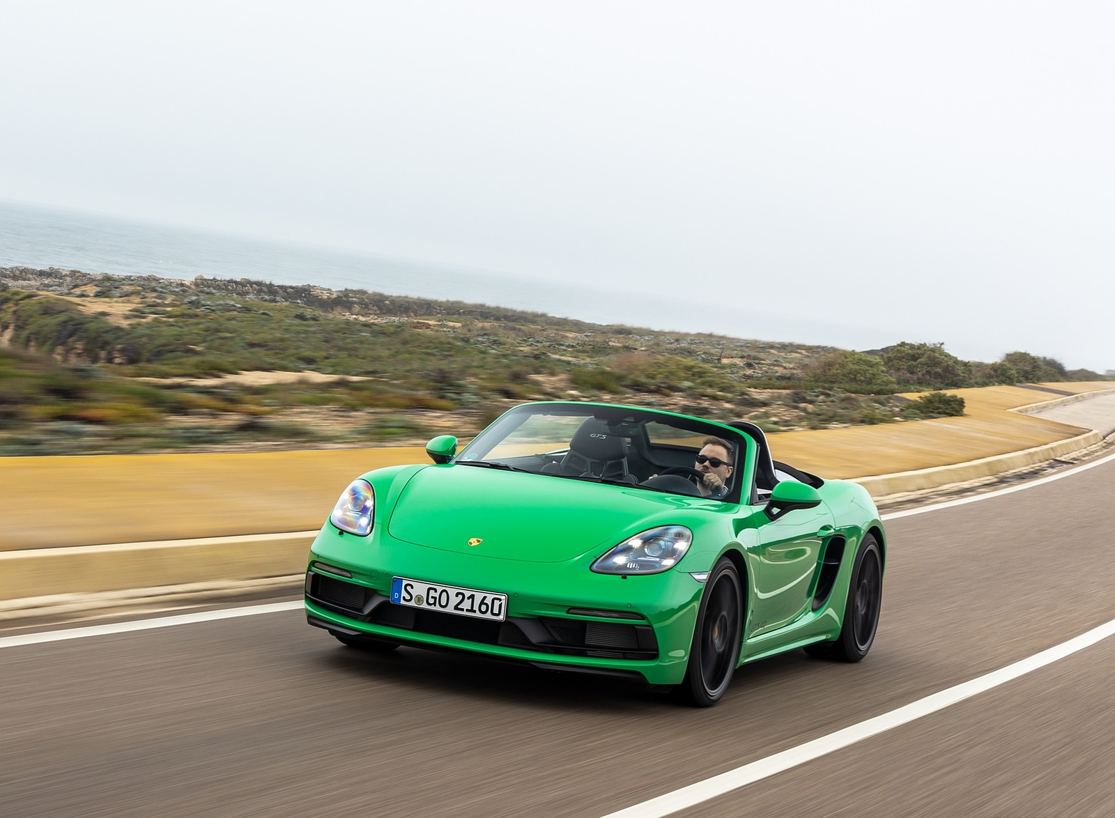 2020 Porsche 718 Boxster GTS 4.0 (Color: Phyton Green) Front Wallpapers (3)