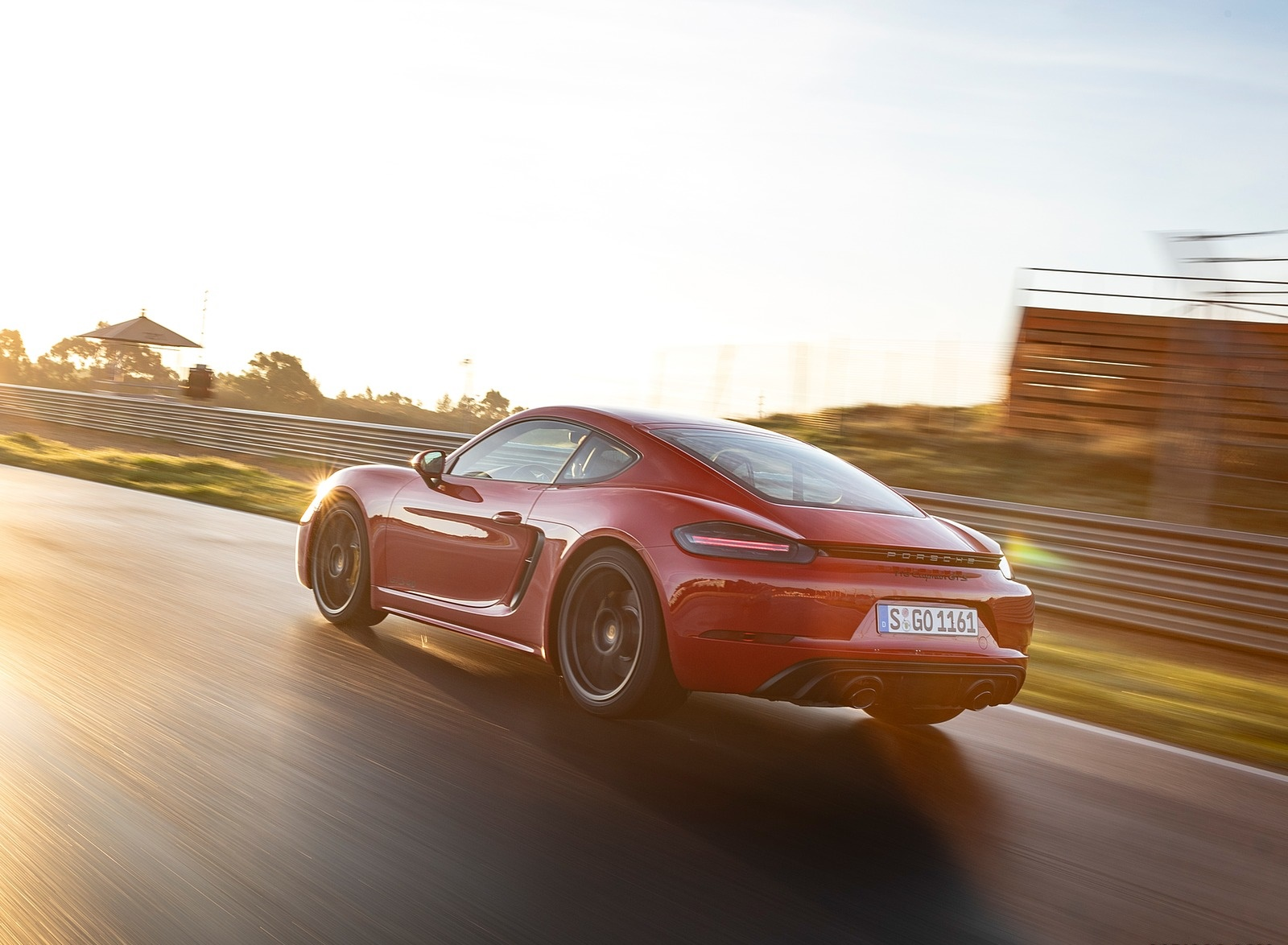 2020 Porsche 718 Cayman GTS 4.0 (Color: Carmine Red) Rear Three-Quarter Wallpapers (6)