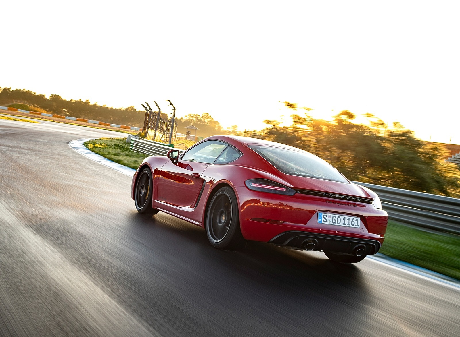 2020 Porsche 718 Cayman GTS 4.0 (Color: Carmine Red) Rear Three-Quarter Wallpapers (8)