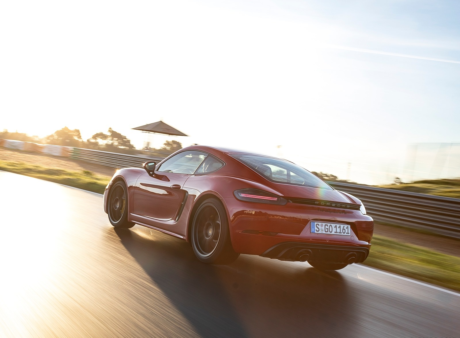 2020 Porsche 718 Cayman GTS 4.0 (Color: Carmine Red) Rear Three-Quarter Wallpapers (9)