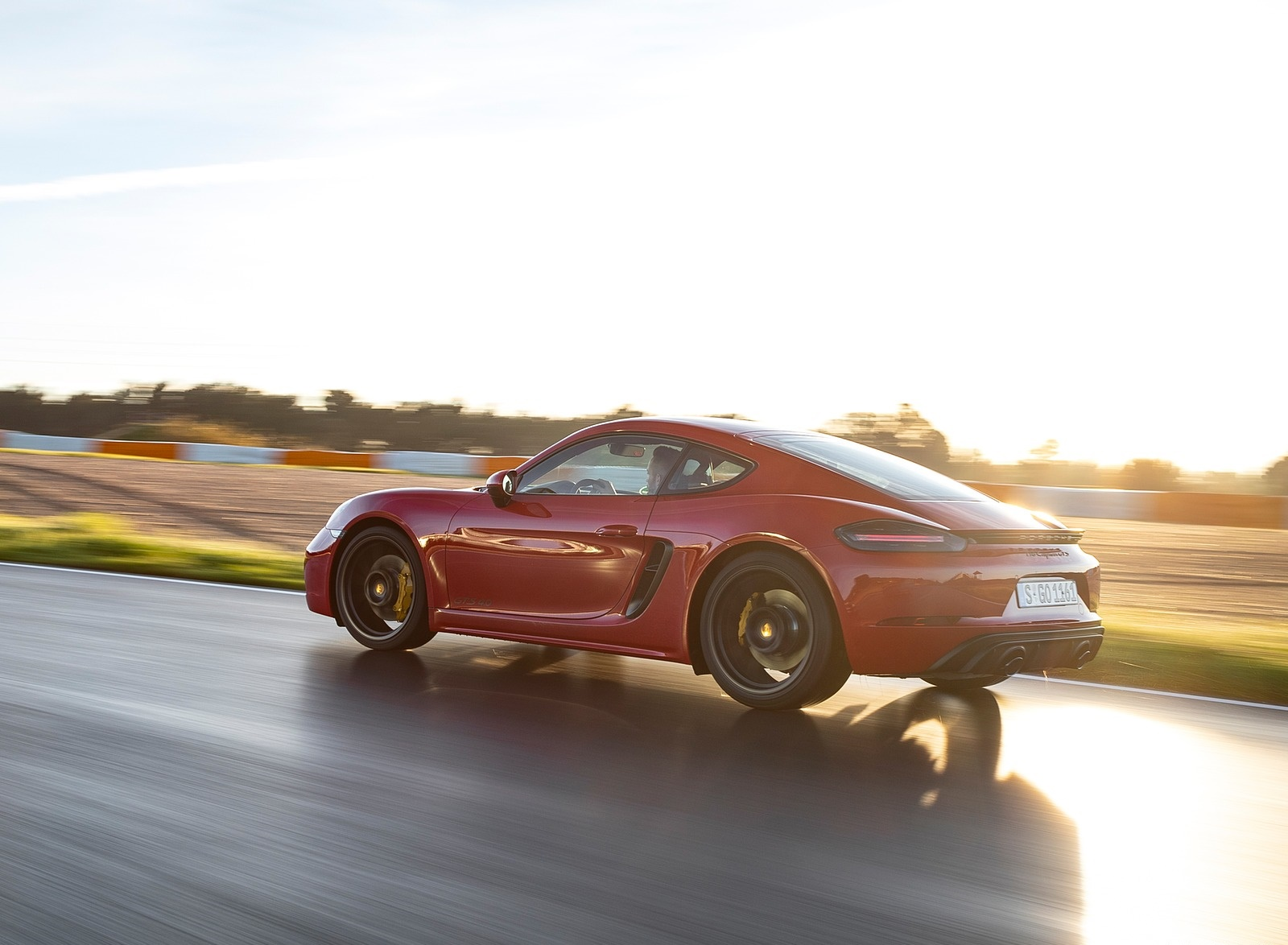 2020 Porsche 718 Cayman GTS 4.0 (Color: Carmine Red) Rear Three-Quarter Wallpapers (10)