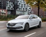 2020 Skoda Superb iV Plug-In Hybrid Front Three-Quarter Wallpapers 150x120 (2)
