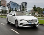 2020 Skoda Superb iV Plug-In Hybrid Front Three-Quarter Wallpapers 150x120 (4)