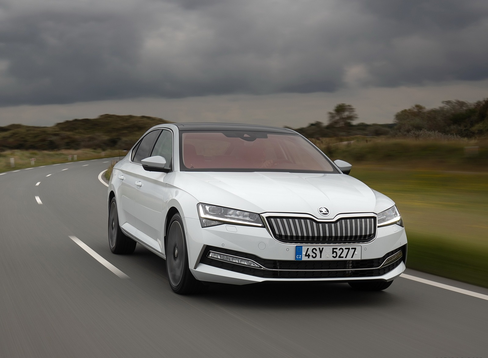 2020 Skoda Superb iV Plug-In Hybrid Front Wallpapers (6)