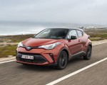 2020 Toyota C-HR Hybrid (Euro-Spec) Front Three-Quarter Wallpapers 150x120 (2)