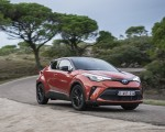 2020 Toyota C-HR Hybrid (Euro-Spec) Front Three-Quarter Wallpapers 150x120 (1)
