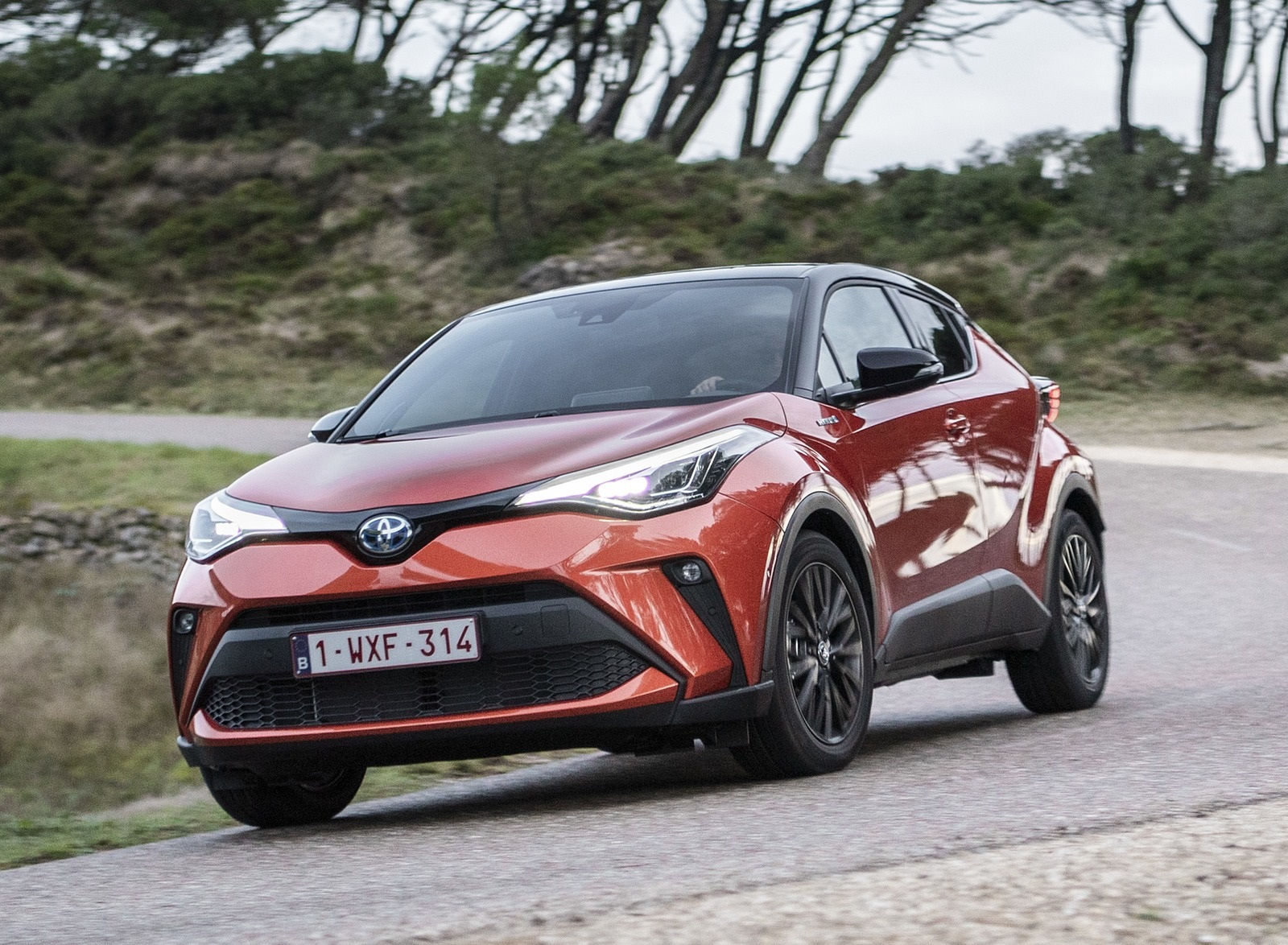 2020 Toyota C-HR Hybrid (Euro-Spec) Front Three-Quarter Wallpapers (3)