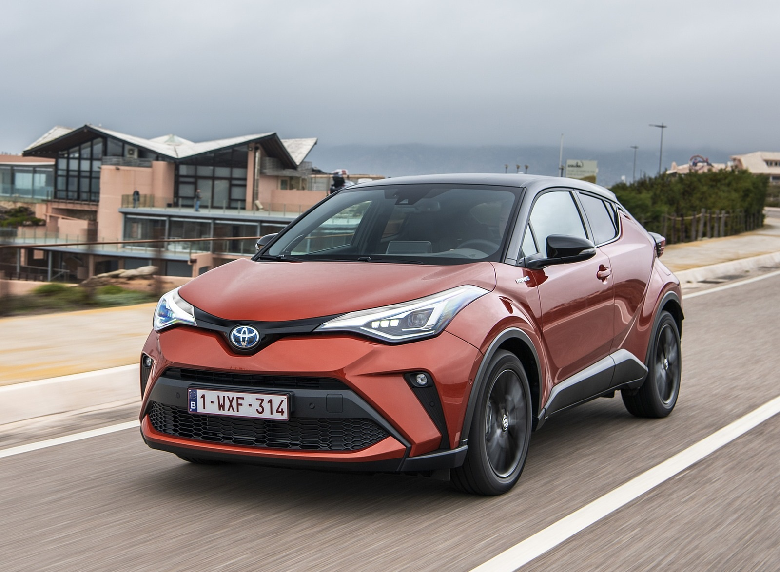 2020 Toyota C-HR Hybrid (Euro-Spec) Front Three-Quarter Wallpapers (4)