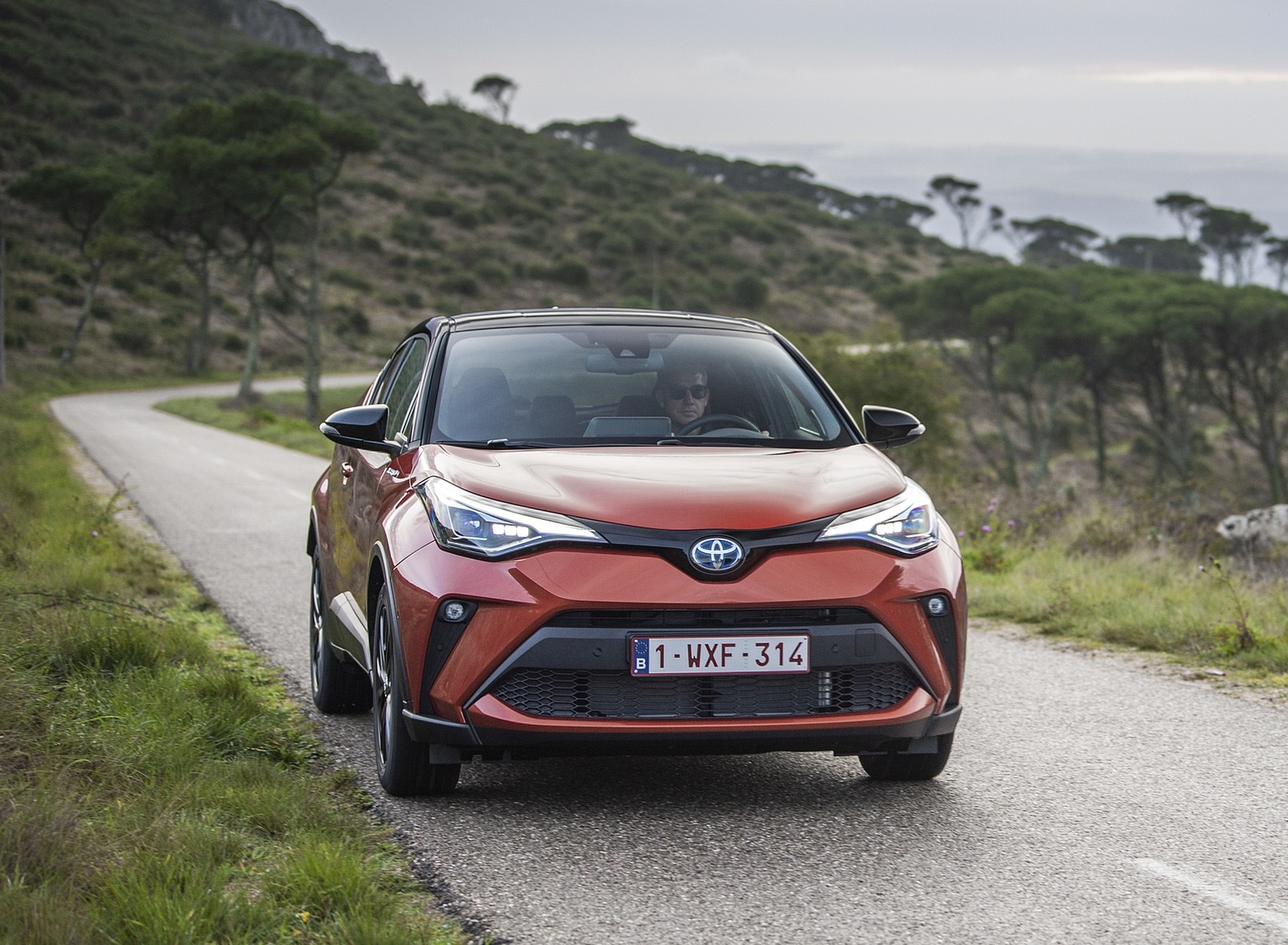 2020 Toyota C-HR Hybrid (Euro-Spec) Front Wallpapers (6)