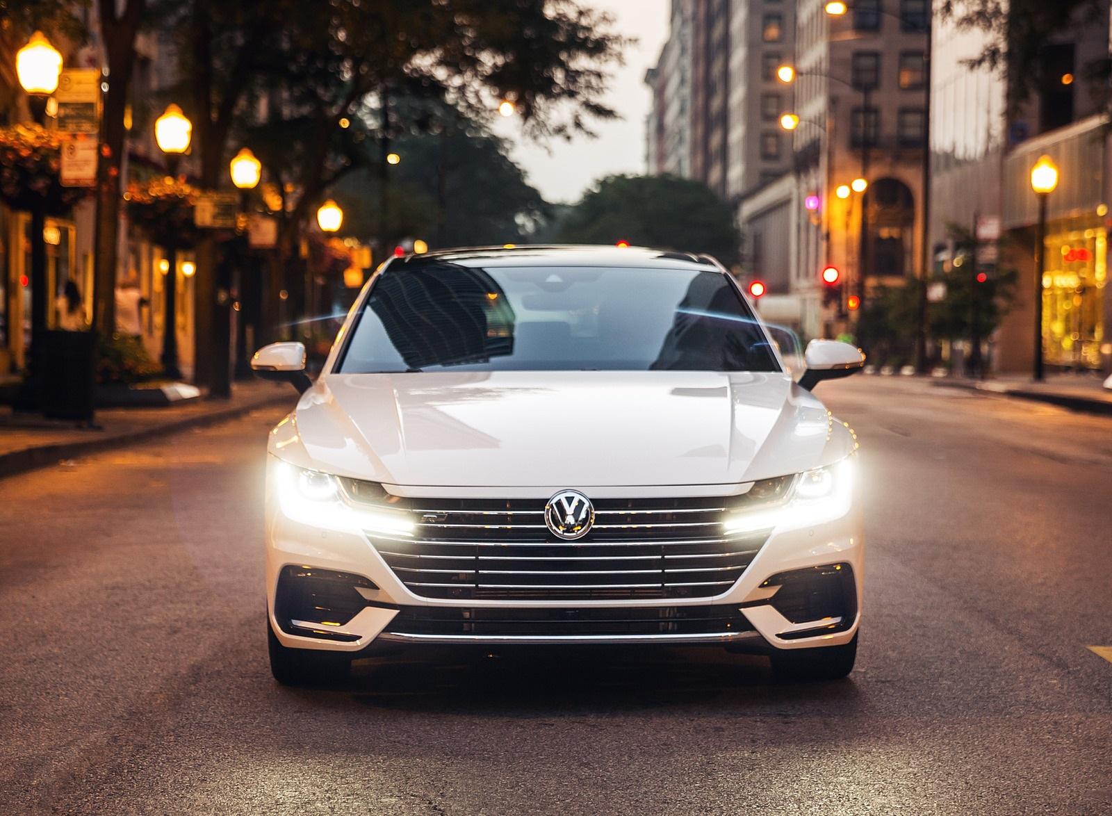 2020 Volkswagen Arteon SEL R-Line Edition (US-Spec) Front Wallpapers (2)