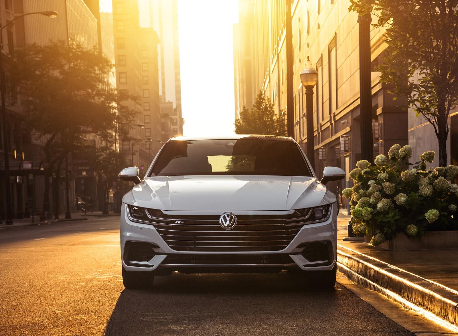2020 Volkswagen Arteon SEL R-Line Edition (US-Spec) Front Wallpapers (9)