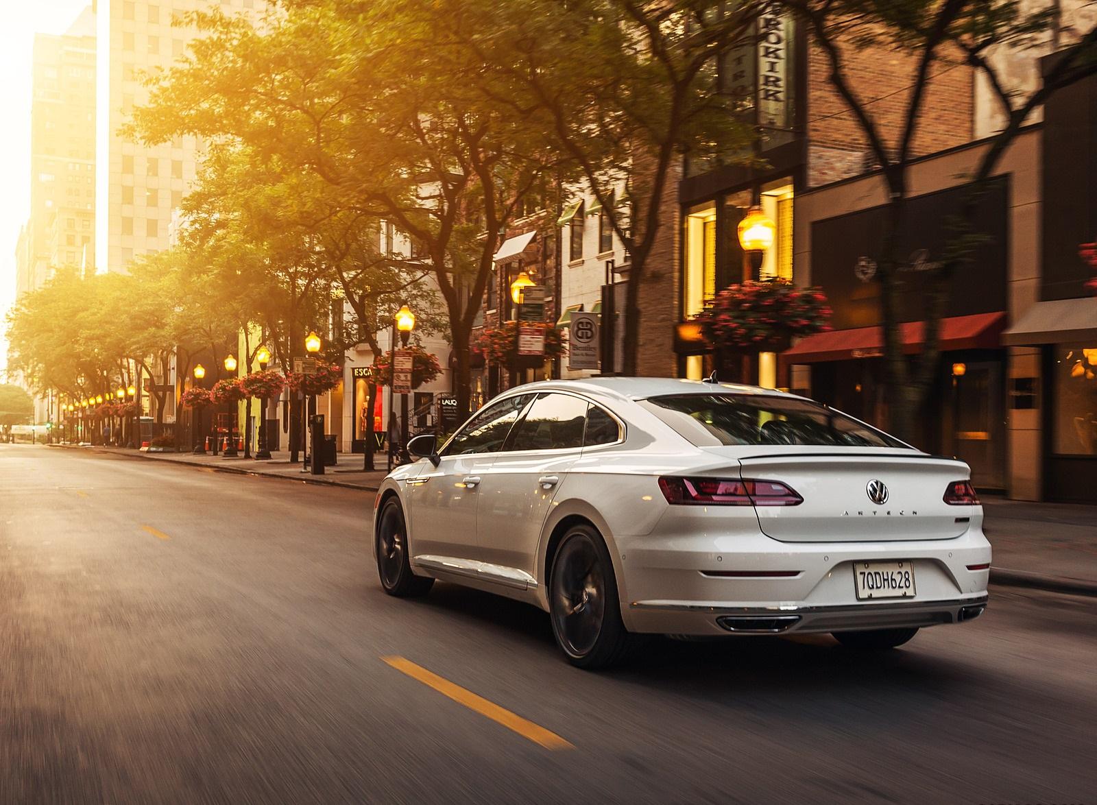 2020 Volkswagen Arteon SEL R-Line Edition (US-Spec) Rear Three-Quarter Wallpapers (3)