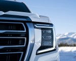 2021 GMC Yukon AT4 Headlight Wallpapers 150x120 (21)